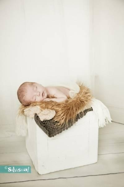 Newborn-Jeslin-S-100-Kopie