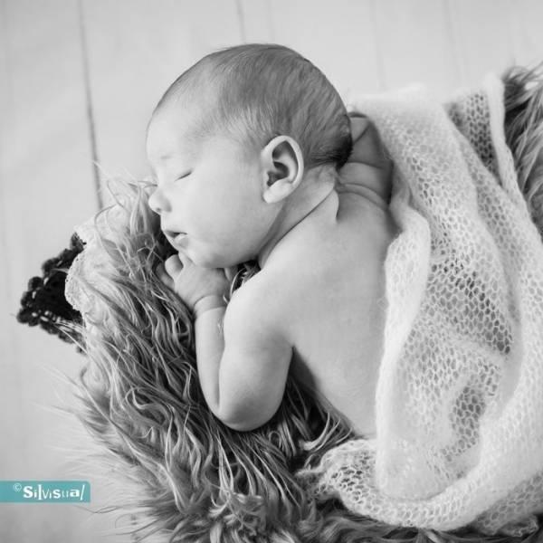 Newborn-Jeslin-ZW-105a-Kopie